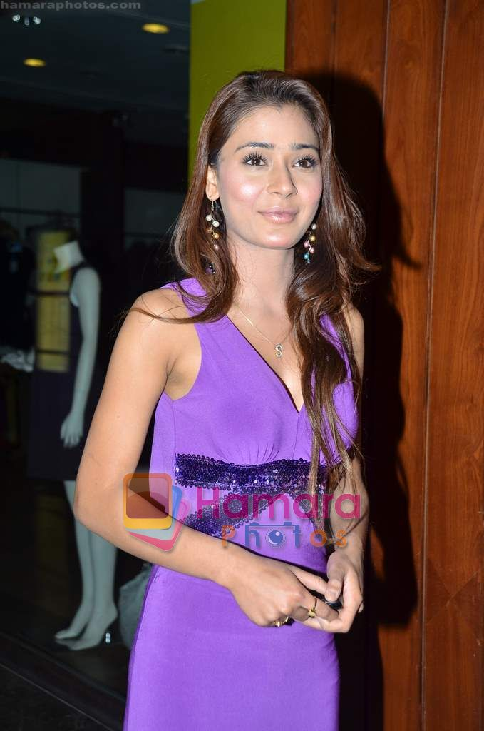 Sara Khan at Ashmit Patel's birthday bash in Veda on 13th Jan 2011
