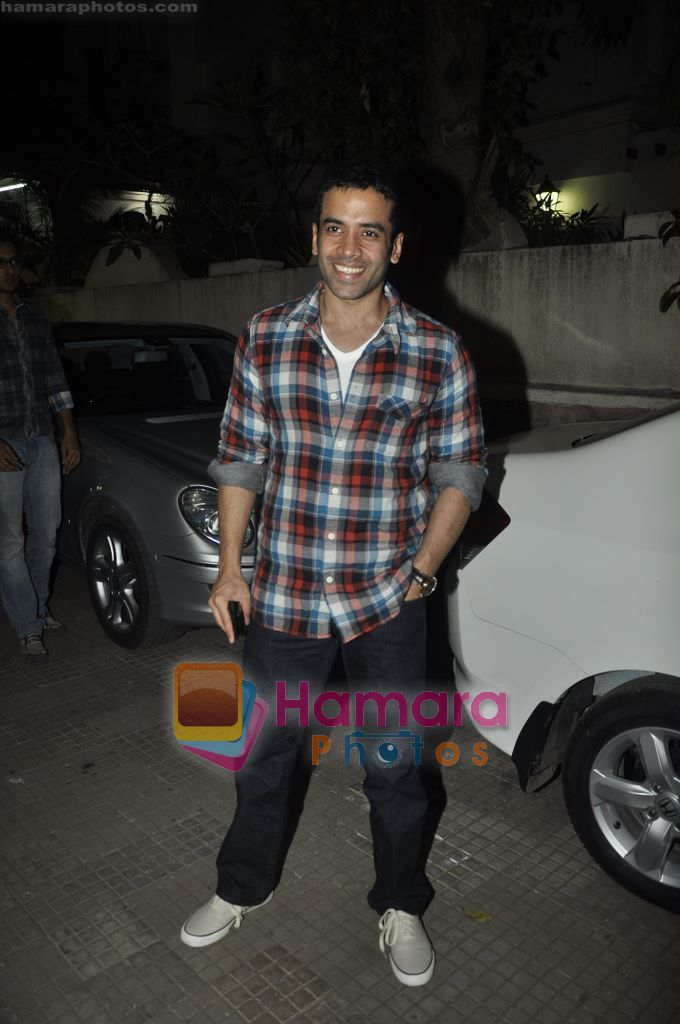 Tusshar Kapoor at Yamla Pagla Deewana screening by Rumi Jaffrey in Ketnav, Mumbai on 13th Jan 2011