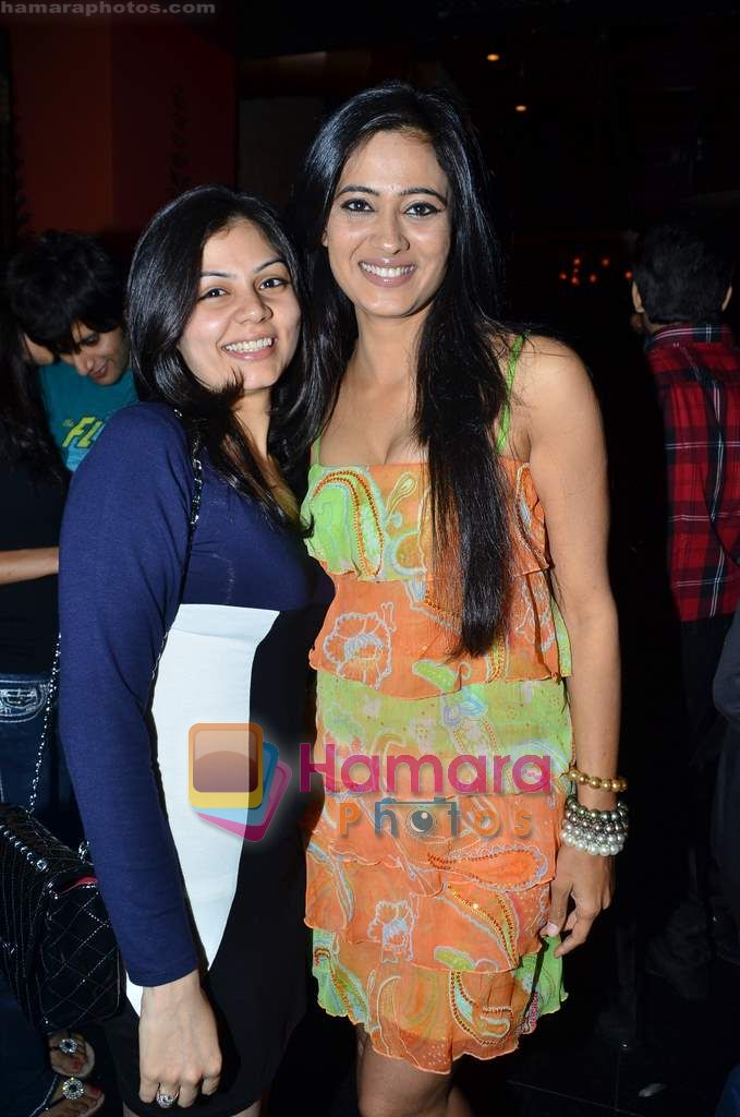 Shweta Tiwari at Ashmit Patel's birthday bash in Veda on 13th Jan 2011