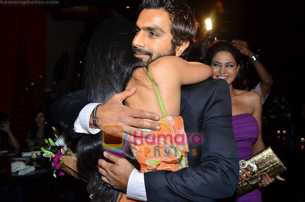 Shweta Tiwari, Ashmit Patel at Ashmit Patel's birthday bash in Veda on 13th Jan 2011