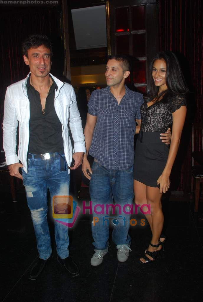 Rahul Dev at Ashmit Patel's birthday bash in Veda on 13th Jan 2011