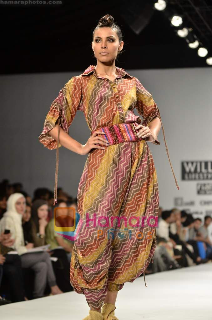 Model Walks The Ramp For Monapali Show On Wills Lifestyle India Fashion Week 2011 Day 1 In