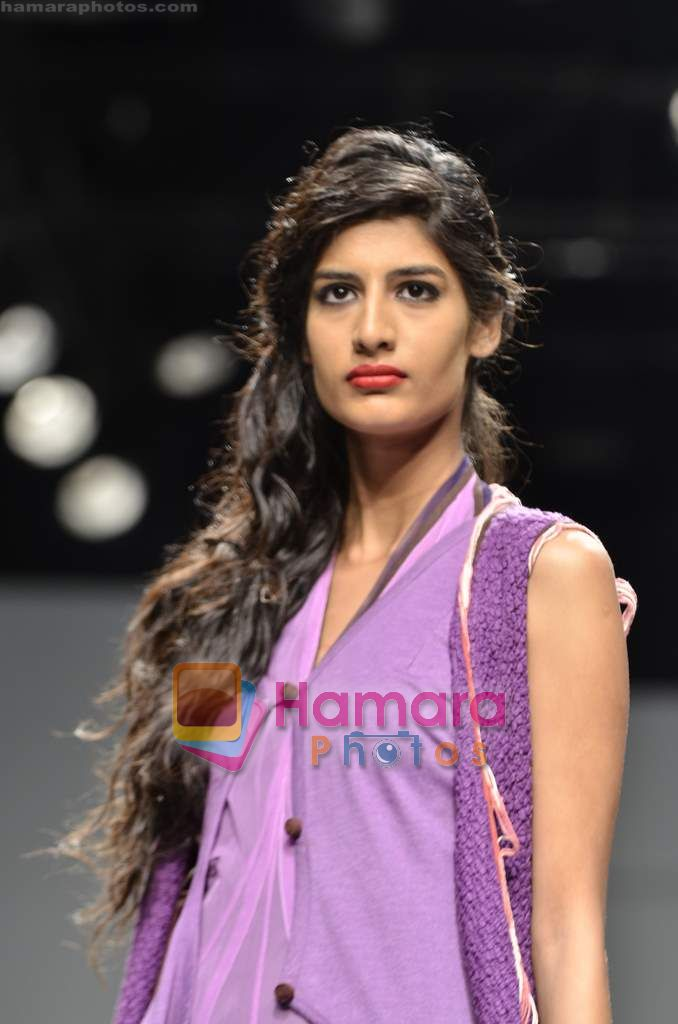 Model walks the ramp for Raj Shroff show on Wills Lifestyle India Fashion Week 2011 - Day 3 in Delhi on 8th April 2011