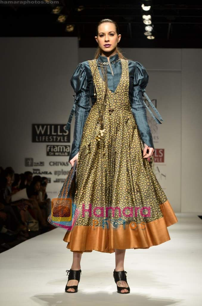 Model walks the ramp for virtues show on Wills Lifestyle India Fashion Week 2011 � Day 4 in Delhi on 9th April 2011