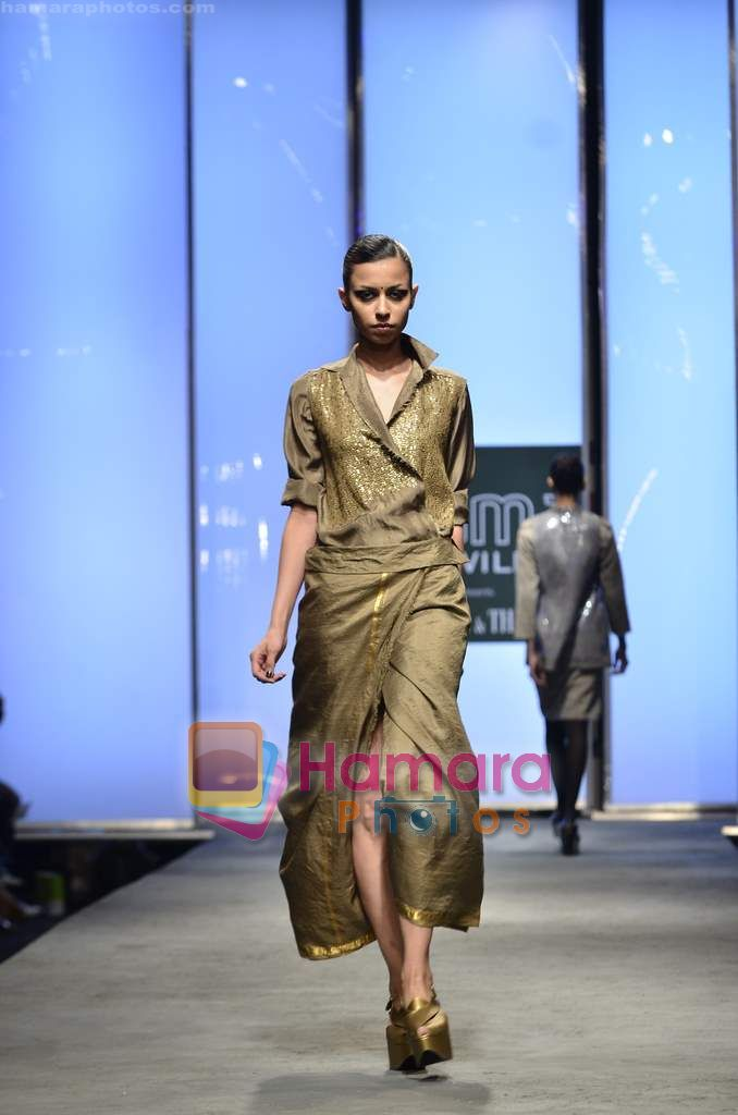 Model walks the ramp for Abraham and Thakore show on Wills Lifestyle India Fashion Week 2011-Day 4 in Delhi on 9th April 2011