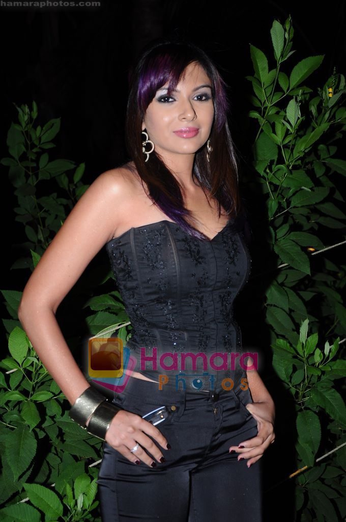 Mrinalini Sharma on the sets of Soundtrack in Bandra, Mumbai on 9th April 2011