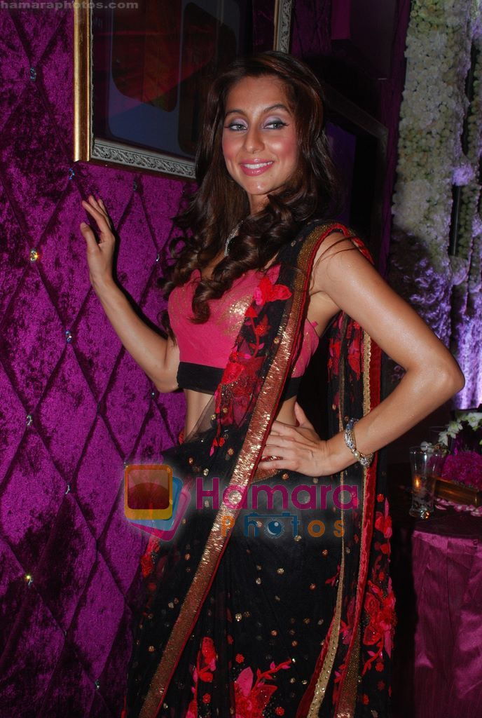 Anusha Dandekar at Shane-Falguni show at Shehnaai 2011 in J W marriott, Juhu, Mumbai on 9th April 2011