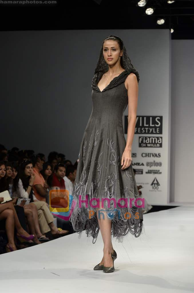 Model walks the ramp for Dozakh show on Wills Lifestyle India Fashion Week 2011-Day 4 in Delhi on 9th April 2011