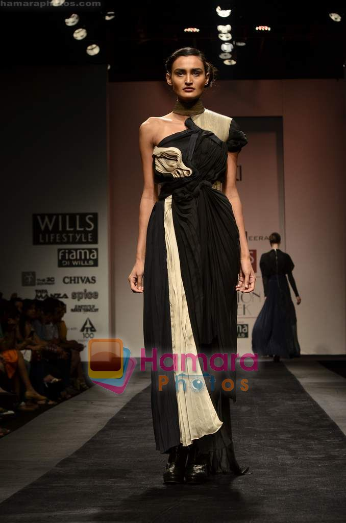 Model walks the ramp for Alpana and Neeraj show on Wills Lifestyle India Fashion Week 2011-Day 4 in Delhi on 9th April 2011