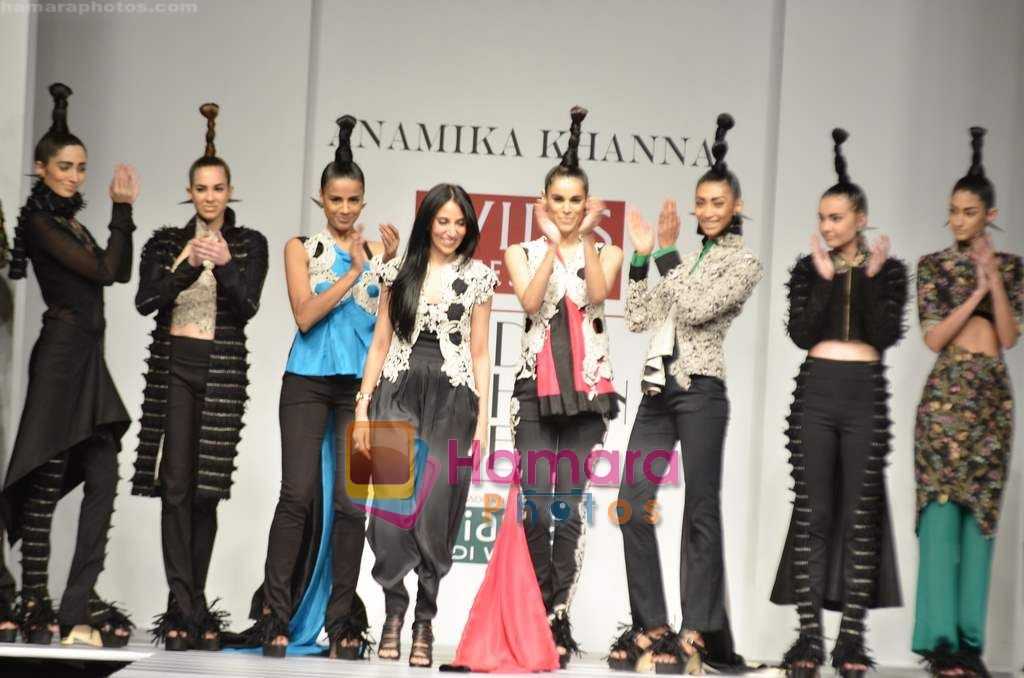 Model walks the ramp for Anamika Khanna show on Wills Lifestyle India Fashion Week 2011-Day 4 in Delhi on 9th April 2011