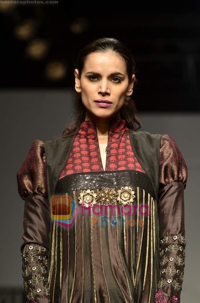 Model walks the ramp for virtues show on Wills Lifestyle India Fashion Week 2011-Day 4 in Delhi on 9th April 2011
