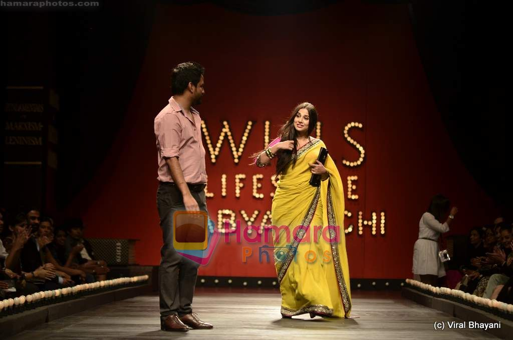 Vidya Balan at Sabyasachi show on Wills Lifestyle India Fashion Week 2011-Day 5 in Delhi on 10th April 2011