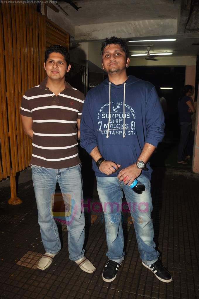Vishal Malhotra, Mohit Suri at Murder 2 special screening  in Ketnav, Mumbai on 7th July 2011