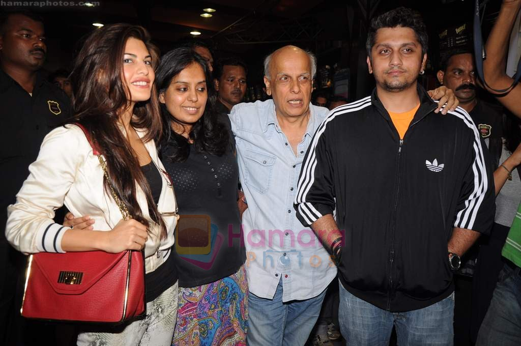 Jacqueline Fernandez, Mohit Suri, Mahesh Bhat at Murder 2 press meet in Fame on 9th July 2011