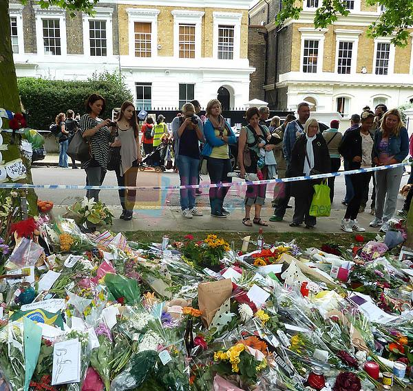Amy Winehouse's Fans Pay Their Respects at Amy Winehouse's Residence in London on July 26, 2011