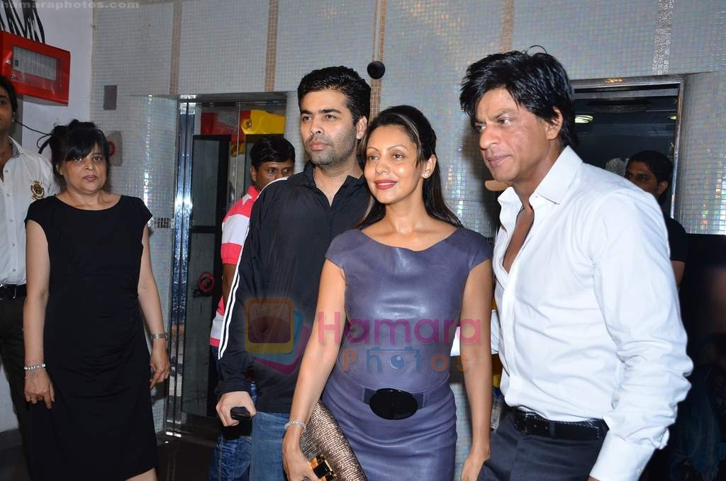 Karan Johar, Shahrukh Khan, Gauri Khan at Ra One Completion bash in Esco Bar on 31st July 2011