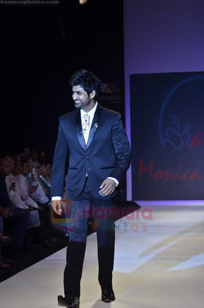 Manish Goel walks the ramp for Monica Kapur at IIJW 2011 in Grand Hyatt on 31st July 2011