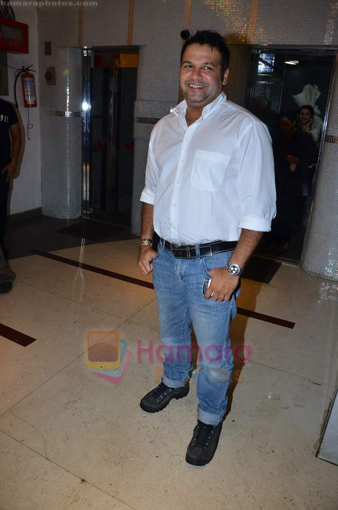 Suresh Menon at Ra One Completion bash in Esco Bar on 31st July 2011