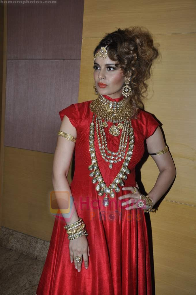 Kangana Ranaut on day 1 of IIJW 2011 in Grand Hyatt on 31st July 2011