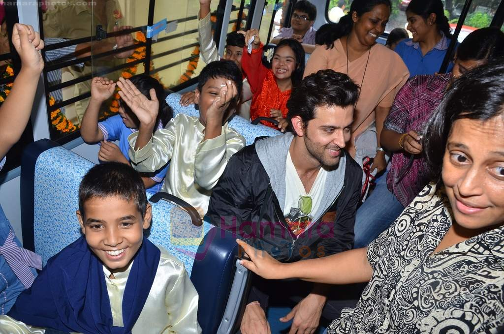 Hrithik Roshan donates bus to Dilkush school in Juhu, Mumbai on 1st Aug 2011