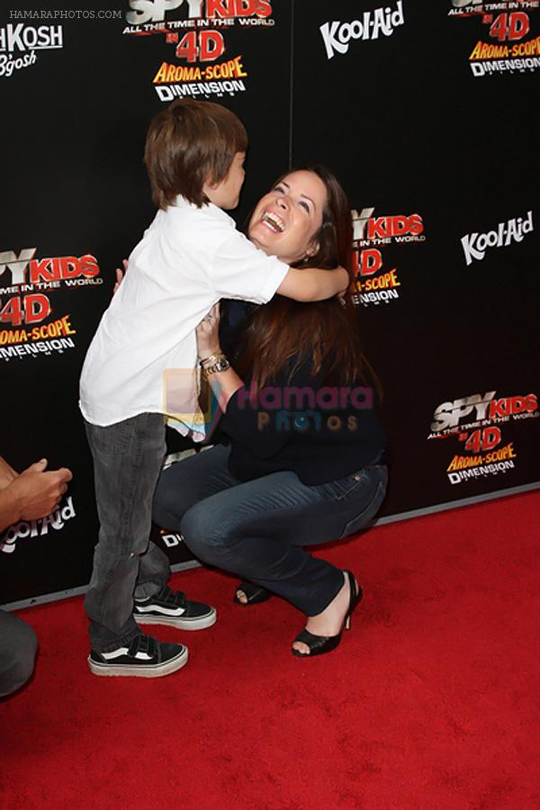 Holly Marie Combs arrives at the Spy Kids- All The Time In The World 4D Los Angeles Premiere on July 31, 2011 in Los Angeles, California