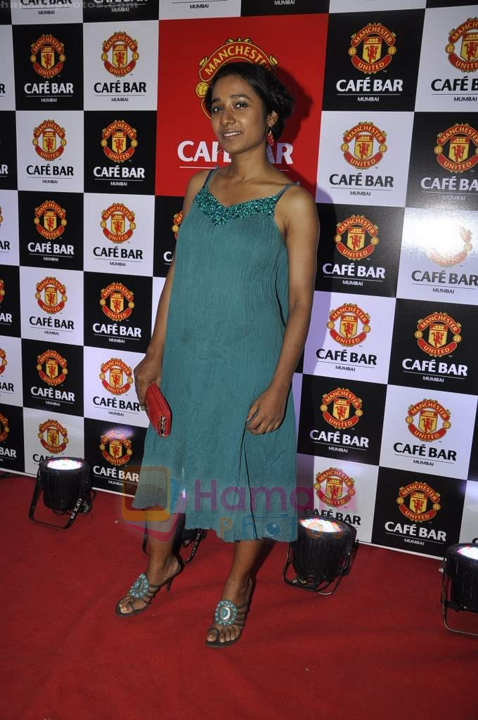 Tanishta Chatterjee at Manchester United Cafe launch in Malad on 31st July 2011