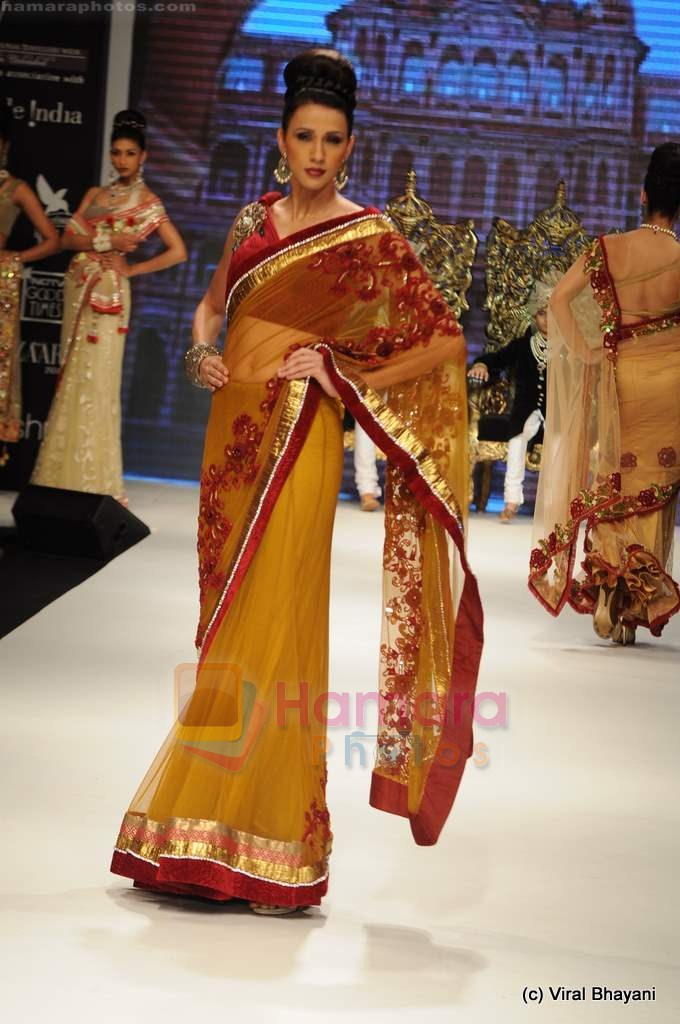 I AM She 2011 winner walks the ramp for Golecha Jewels at IIJW 2011 in Grand Hyatt, Mumbai on 1st Aug 2011