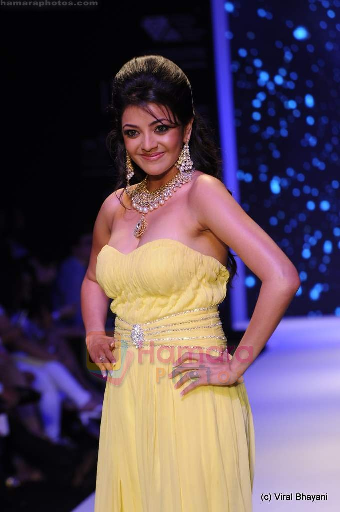 Kajal Aggarwal walks the ramp for CVM exports show at IIJW 2011 Day 2 in Grand Hyatt on 1st Aug 2011