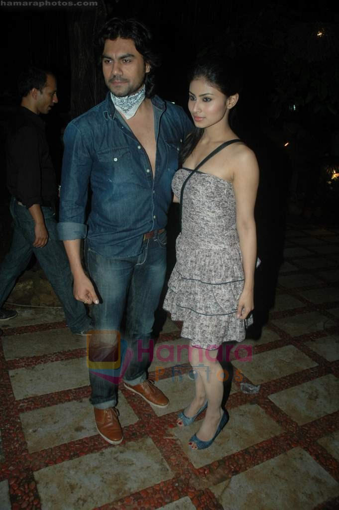 Gaurav Chopra, Mouni Roy at producer Sunil Bohra's party in Kino's Cottage on 2nd Aug 2011