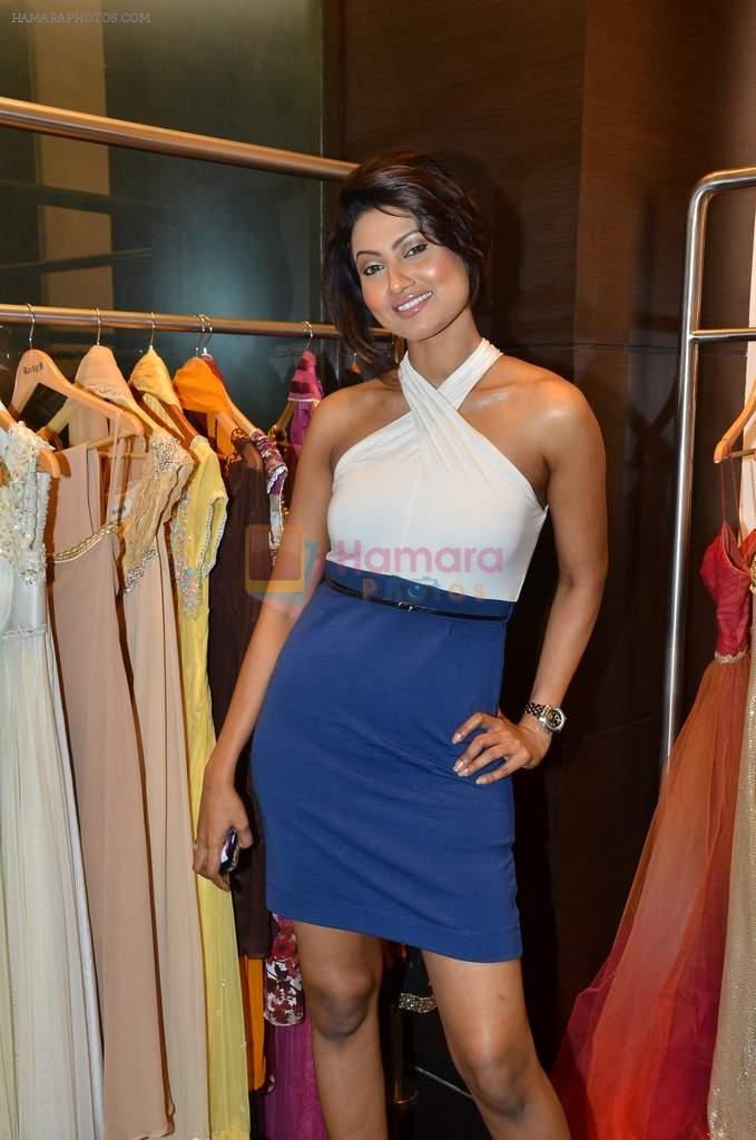 Nigaar Khan at Rocky S showcases Paris Hilton collection and Marie Claire cover launch in Bandra, Mumbai on 28th Sept 2011