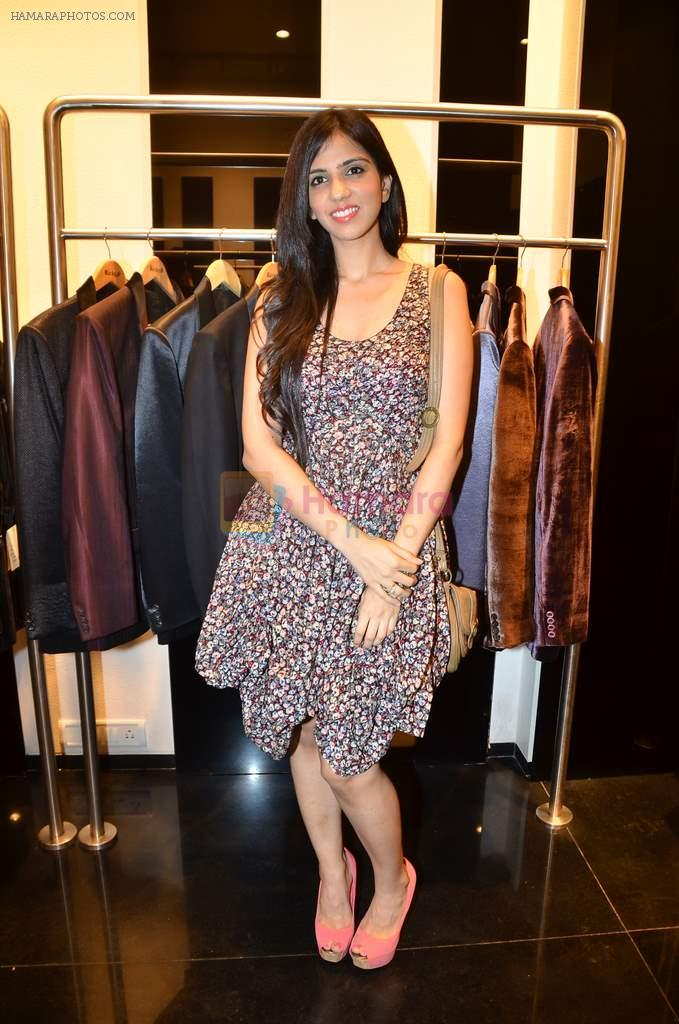 Nishka Lulla at Rocky S showcases Paris Hilton collection and Marie Claire cover launch in Bandra, Mumbai on 28th Sept 2011