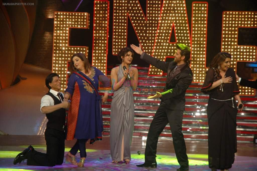 Priyanka Chopra, Shahrukh Khan, Hrithik Roshan, Farah Khan, Vaibhavi Merchant at the Finale of Just Dance in Filmcity, Mumbai on 29th Sept 2011