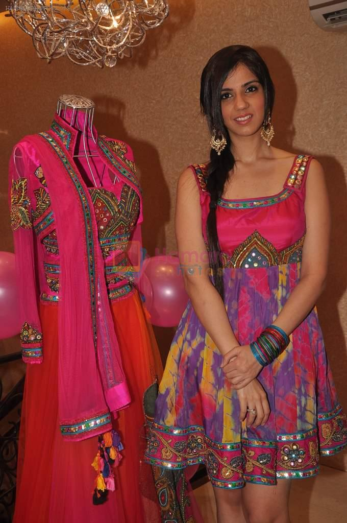 Nishka Lulla at Neeta Lulla Nautanki collection launch in Santacruz on 7th Oct 2011