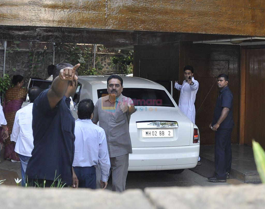Abhishek Bachchan With Aishwarya Leaves For Home With Her