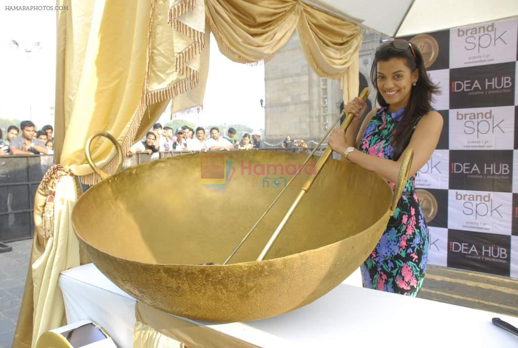 Mugdha Godse at Maha Feast outdoor food festival in Gateway of India on 21st Dec 2011