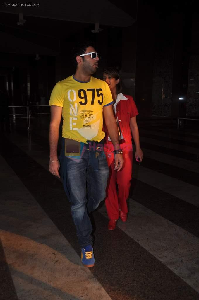 Yuvraj Singh cool casual look snapped at domestic airport on 22nd Dec 2011