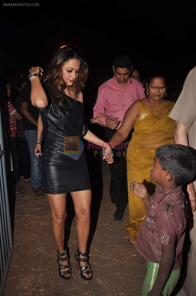 Amrita Arora at Midnight mass in Bandra, Mumbai on 24th Dec 2011