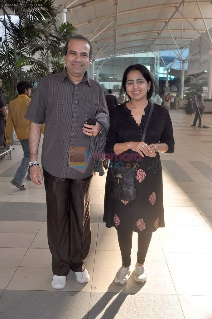 Suresh Wadkar snapped at the domestic airport on 26th Dec 2011