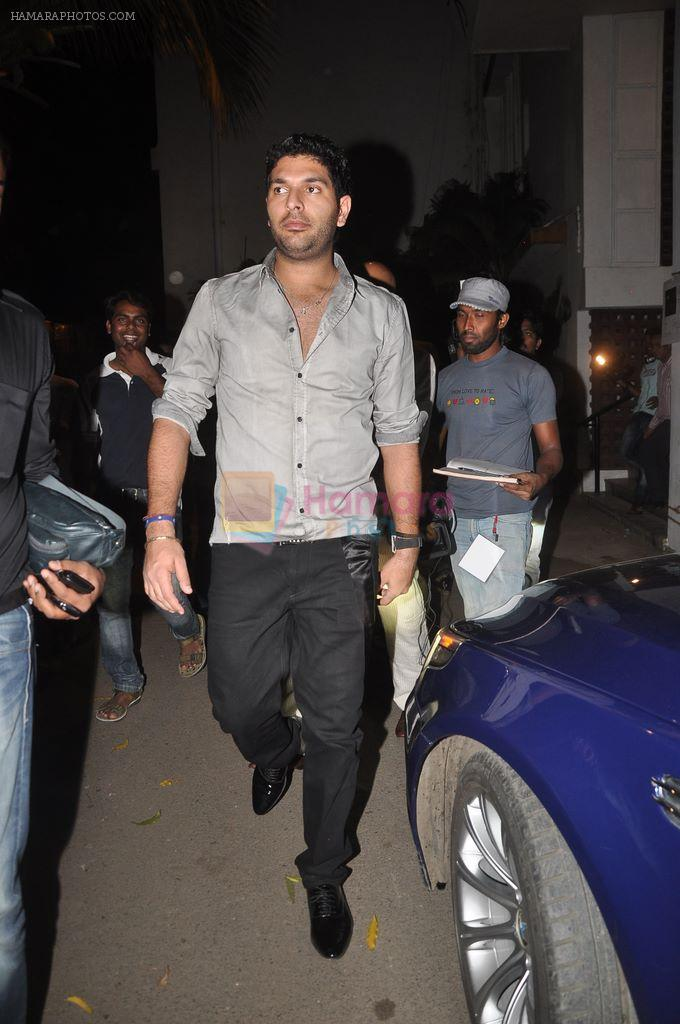 Yuvraj Singh at Diya Diamond concert in St ANdrews, Bandra, Mumbai on 27th Dec 2011