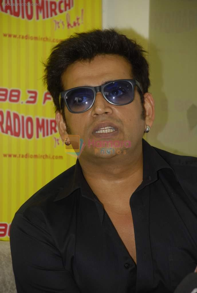 Ravi Kishan with the star cast of Chaalis Chaurasia at Radio Mirchi in Parel, Mumbai on 27th Dec 2011