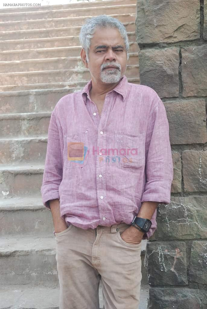 Sanjay Mishra on location of film Pranam Walkum in Filmcity, Mumbai on 29th Dec 2011