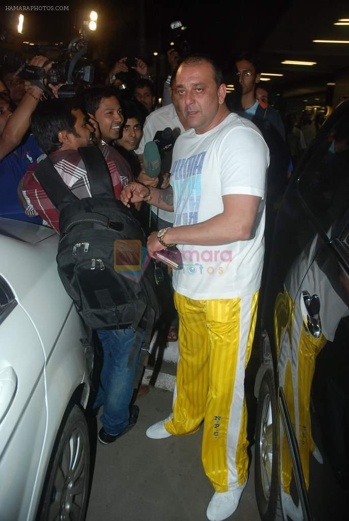 Sanjay Dutt snapped at airport as they enter Big Boss on 29th Dec 2011