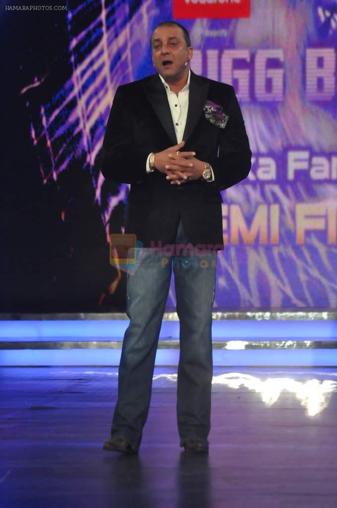 Sanjay Dutt On the sets of Bigg Boss 5 with Players star cast on 31st Dec 2011