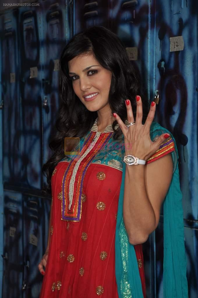 Sunny Leone On the sets of Bigg Boss 5 with Players star cast on 31st Dec 2011
