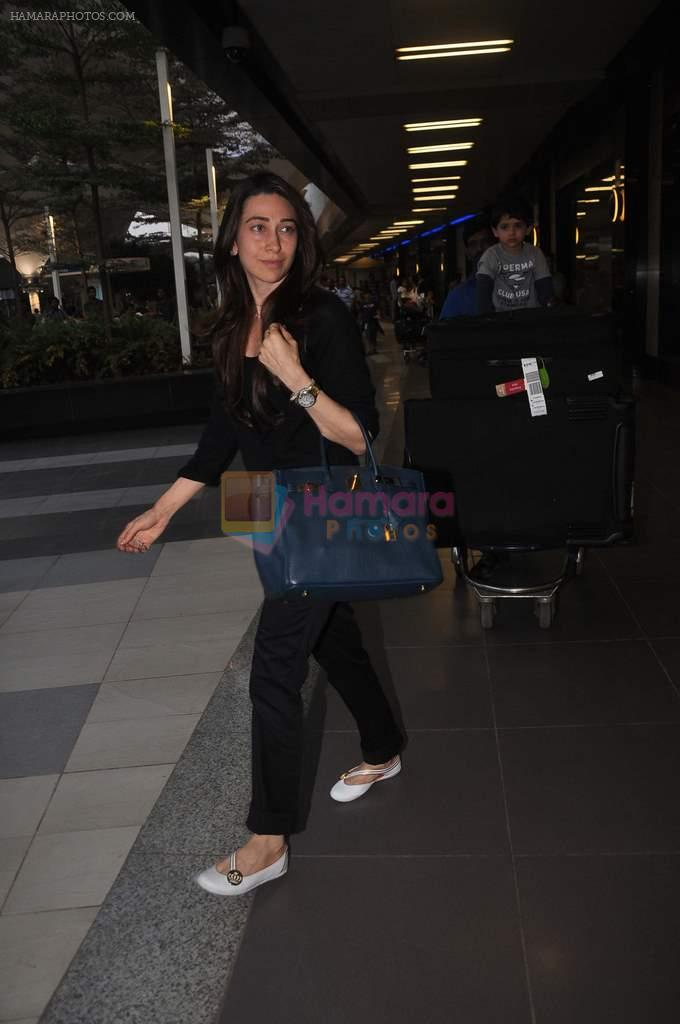 Karisma Kapoor returns from their vacation on 2nd Jan 2012