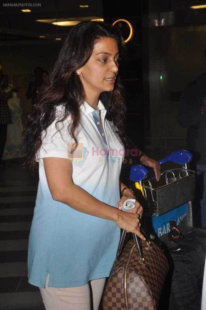 Juhi Chawla returns from their vacation on 2nd Jan 2012
