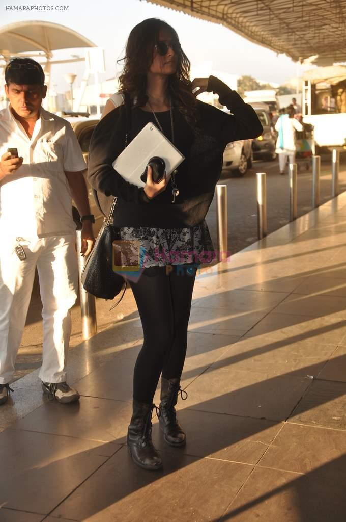 Sonam Kapoor with Players stars snapped at airport in Mumbai on 3rd Jan 2012