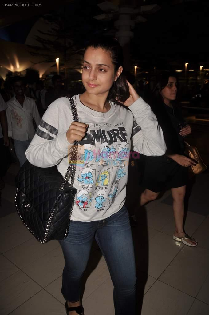 Amisha Patel return from Dubai on 3rd Jan 2012