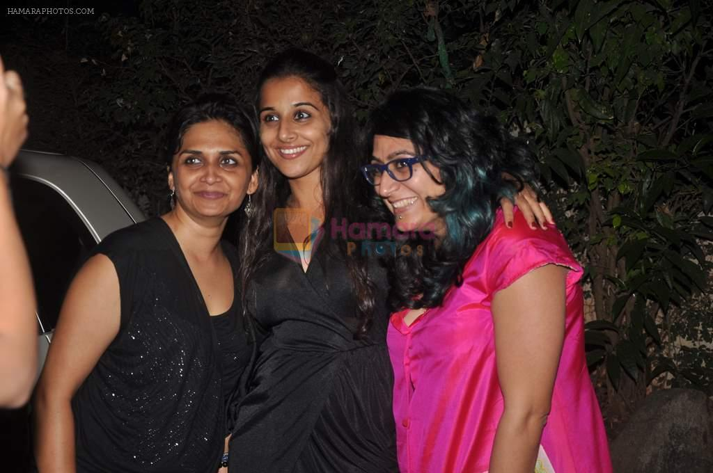 Vidya Balan, Niharika Khan at designer Niharika Khan's house bash in Yari Road on 3rd Jan 2012