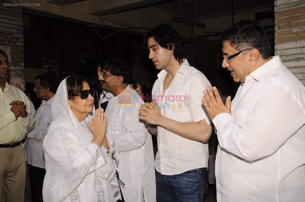 Farida Jalal at Sunil and Dharmesh Darshan's dad's prayer meet in Santacruz on 3rd Jan 2012